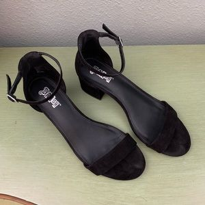 Size 8 Women Black Brash High heels
